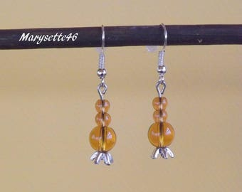 The warm colors of honey translucent earrings