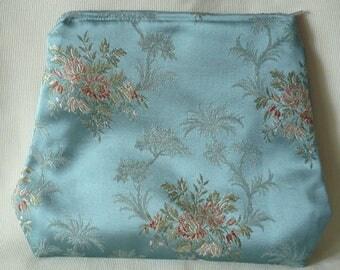 Kit flat jacquard pattern of embroidery on satin