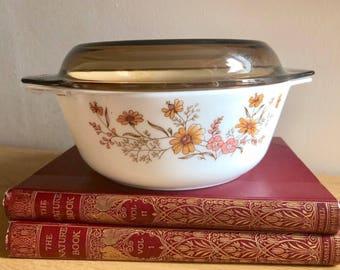 Vintage JAJ Pyrex Casserole Dish / Woodland Country Autumn