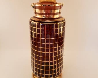 Vintage Decanter Red with Gold Grid Pattern