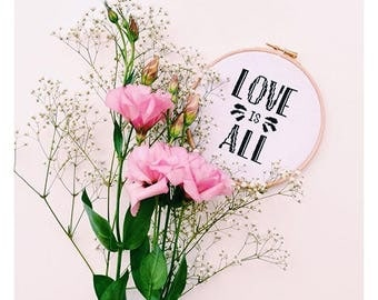 Embroidered frame LOVE
