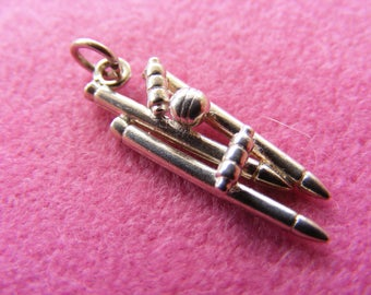 H) Vintage Sterling Silver Charm Cricket Wicket Howzat