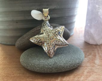 Sterling silver starfish pendant // starfish pendant // sterling silver starfish necklace // silver starfish necklace // beach jewelry