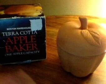 Boston Warehouse Terra Cotta Apple Baker