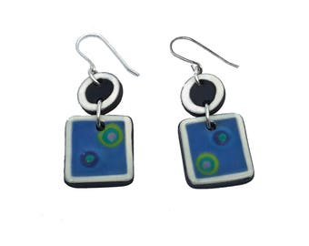 Very light and comfortable lakes earrings