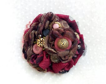 Brooch pink vintage, vintage brooch, buttons jewelry, shabby chic jewelry, pink brooch black, fabric flowers brooch, lace brooch bordeaux