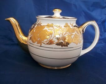 Vintage Sadler Teapot:Cream and Gold Swirl/Floral/Leaf Design