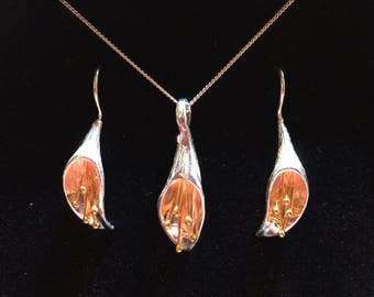 Realistic hand finished stirling silver and 18 carrot gold drop lillys earring and necklace set