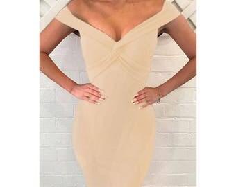 Elegant form-fitting dress