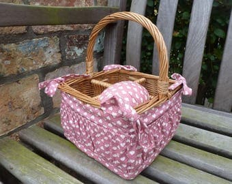Sewing Basket, Makeup Basket, Gift Basket, Gift Idea, Organiser, Unusual, Natural Wicker Basket