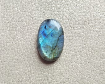 Labradorite Oval Gemstone , Labradorite 01 Pieces Gemstones 53 Carat Weight, Size - 35x24MM Approx. Labradorite Flashy Pendant Stone