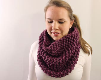 Knitted Cowl in Purple {Wool Scarf, Chunky Knit Scarf, Knit Cowl, Purple Scarf, Infinity Scarf}