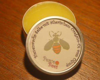 Beeswax ointment with essential oregano oil from Olympus