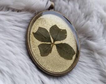 Real Four Leaf Clover Pendant #119
