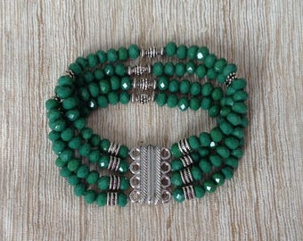 Green glass crystal beads bracelet