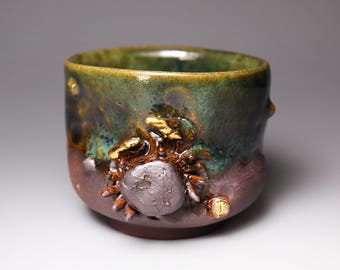 Realistic Crab;meaningful;Handmade;Taiwan pottery;Japanese style;Ceramicware;gifts;Ceramic;Multi-colour;teawareigurine;slipware;gold leaf