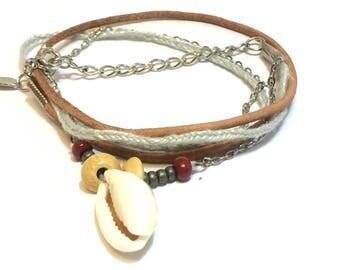 Bracelet three strand shell