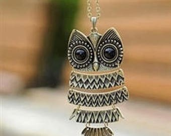 Silver owl pendant necklace