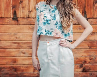 top with print,  short top,  top with floral print
