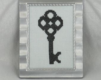 Finished Cross Stitch/Embroidery/Black and White/Gift/Key