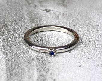 White Gold & Blue Sapphire Ring