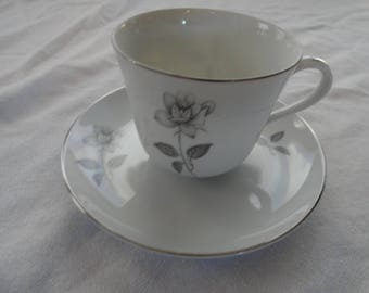 Queens Royal Cup & Saucer