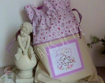 Pajamas for children embroidered and lined bag