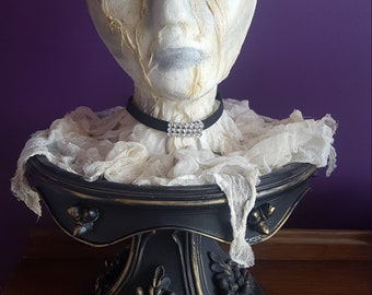 Halloween ghost lady