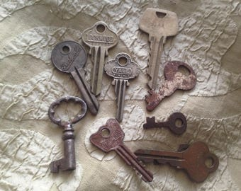 Vintage Metal Key Lot 10 Mad Mike's Funky Vintage Keys For Your Art and Jewelry Projects K06
