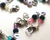 Multicolored numbered set of stitch markers . . . 1-20