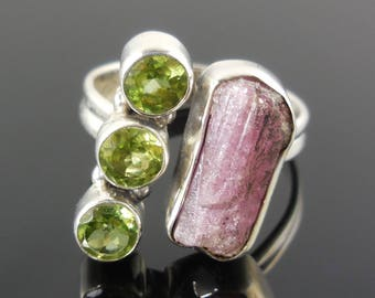 Tourmaline (rough) and peridot sterling silver ring - size 8.5