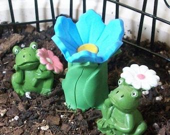 25% off SALE Miniature Flower Bird bath with 2 cute frogs, terrarium, fairy or gnome gardens: polymer clay