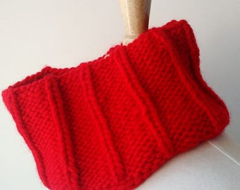 SAMPLE SALE Chunky Wool Hand Knit Neckwarmer in RED, Warm, Soft, Hygge, Winter, Collar, Scarf, Cute