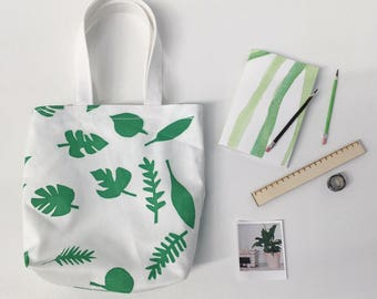 Leaves tote bag with accesories