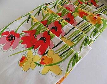 Vintage Bright Bold Floral VERA Dinner Napkins Set of 8