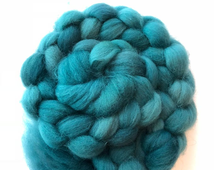 Hand dyed Cheviot wool top. Soft and easy to work with. Great for handspun yarn and to felt. 4oz. Wintergreen.