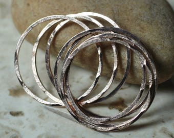 Hand hammered rose gold tone round link O ring connector size aprox 24mm outer diametrer, 6 pcs (item ID FA00102RGK)
