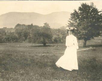 vintage photo 1906 Sunside New York Edwardian Woman 3 Corner Hat Like Painting Arty