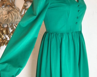 1970s dress green dress puff shoulders biba style size medium retro dress mod dress 36 bust vintage dress long sleeve dress