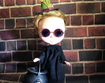 Blythe Practical Magic Icy American Girl 18 Inch Doll Halloween Hat and Cauldron Set