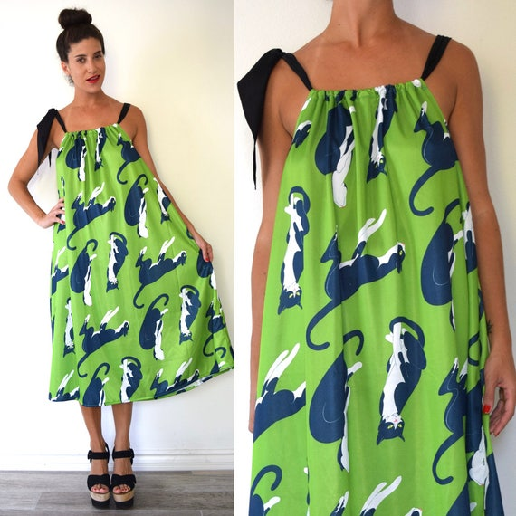 LITTLE LIGHT ORIGINAL 60s 70s Style Sack Dress Made With Vintage Novelty Print Cat Fabric (one size fits all)