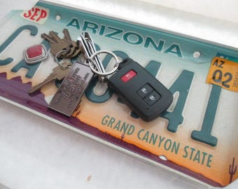 Repurposed License Plate Coin and Key Tray - Rustic Arizona License Plate - FREE SHIPPING - Sedona - Candy Dish - Serving Tray - Gift