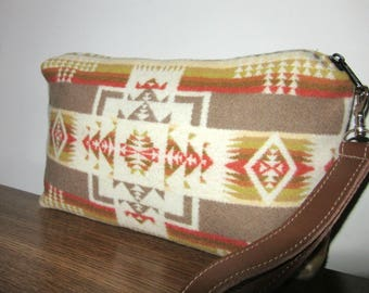 Wrist Bag Clutch Bag Purse Native American Print Blanket Wool from Pendleton Oregon Removable Brown Leather Strap