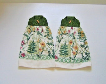 Button On Hand Towel Set in Olive Green and Cream (Set of 2)