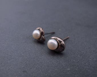 Small pebble Posts- Sterling silver and freshwater pearl earrings - Dainty -Delicate Style - Textured - Industrial Modern
