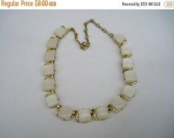 ON SALE Pretty Coro White Thermoset Choker Vintage Necklace
