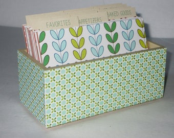 Recipe Box 4 by 6 inch  with Fun Colorful Dividers...Ships Immediately..New Item