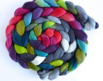 Merino Wool Roving Superfine - Hand Dyed Spinning or Felting Fiber, Camellia Forest