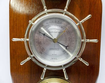 Vintage thermometer, hygrometer, barometer with a nautical touch