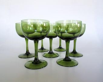 Sasaki Romance Green, Delicate Mid Century Modern Liquor Cocktail Glasses in Emerald Green, Set of Seven
